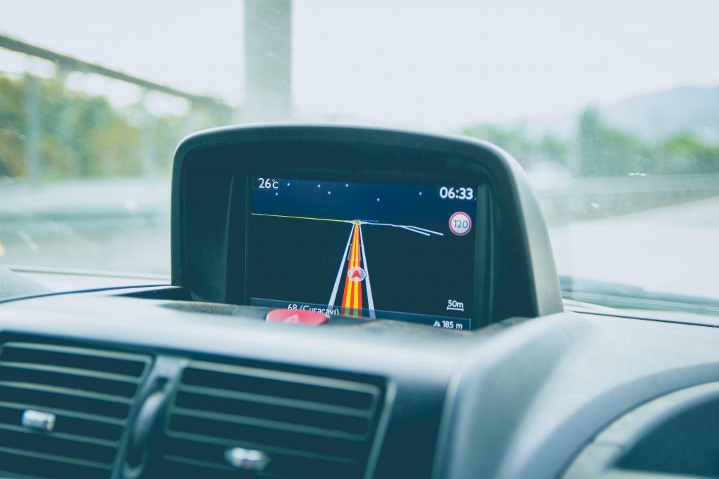 GPS tableau de bord voiture